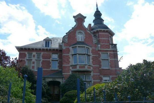 Exclusieve Keukens Limburg : Villa herenhuis te koop in Werchter